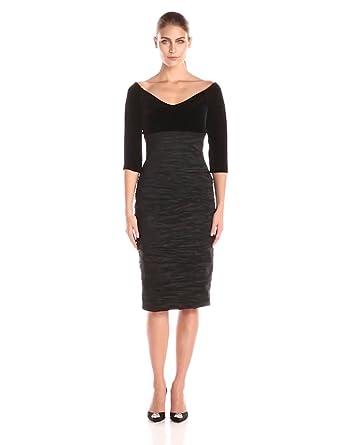 aa6b96e9150 Amazon.com  Alex Evenings Women s Off-The-Shoulder Velvet Sleeve ...