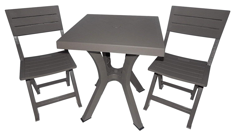 Mobiliario de exterior compuesto de mesa y dos sillas de ...