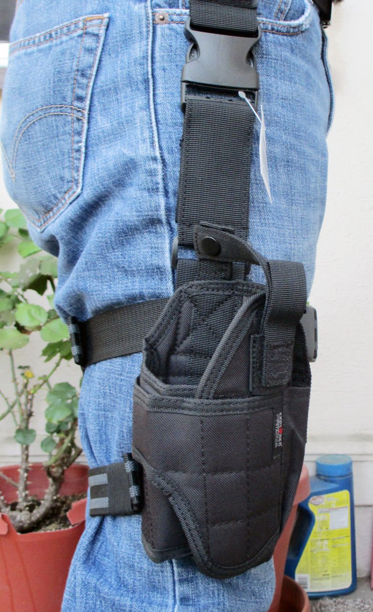 Explorer Every Day Carry Tactical MOLLE 5.56 Six Magazine Pouch