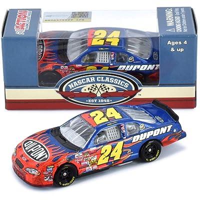 Lionel Racing Jeff Gordon No. 24 Dupont Bristol Win 2002 Monte Carlo NASCAR Diecast 1:64 Scale: Toys & Games
