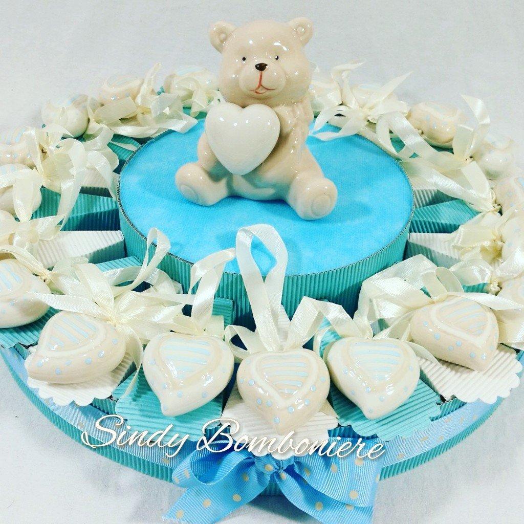 Torte Taufe Geburt Kind mit Herzen aus Porzellan und zentrale Bär Torta da 90 fette