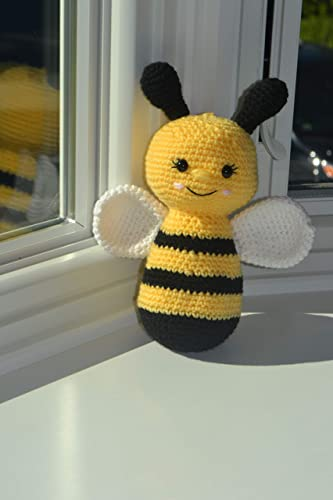 Bumble bee crochet / amigurumi bee - YouTube | 500x333
