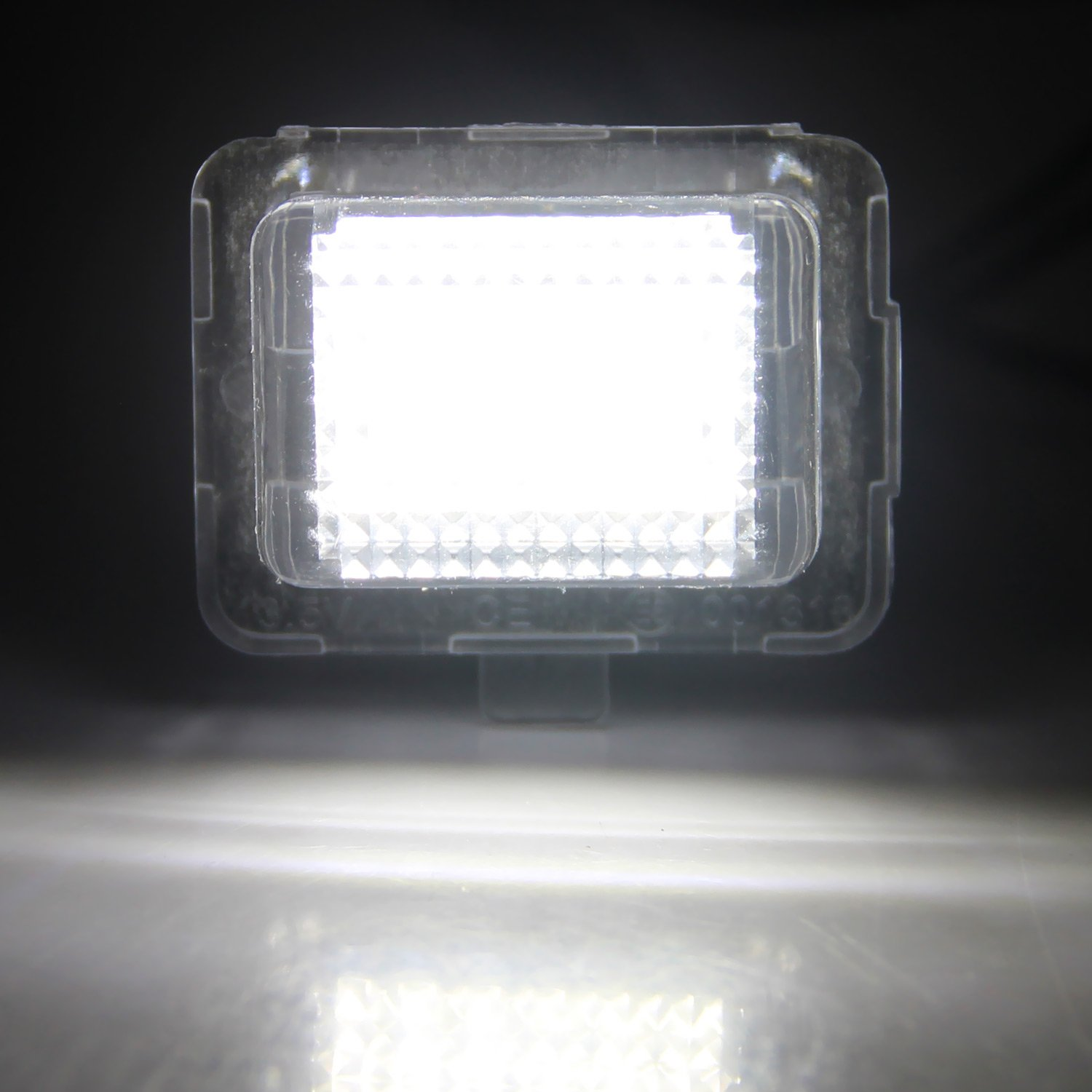 SY-052 Win Power Error Free LED Licence Plate Lights Assembly White Lamp for W204 W212 W216 W221 W207