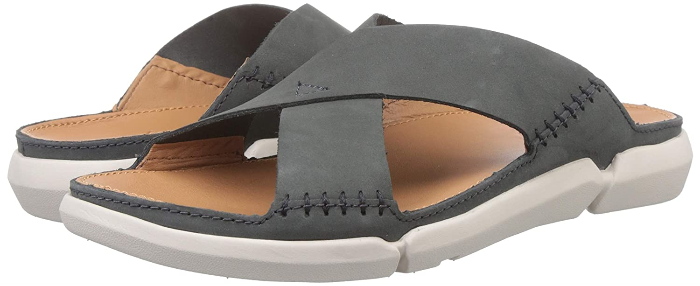 ceja Derritiendo especificar  Clarks Men's Trisand Cross Dark Grey Leather Sandals: Buy Online at Low  Prices in India - Amazon.in