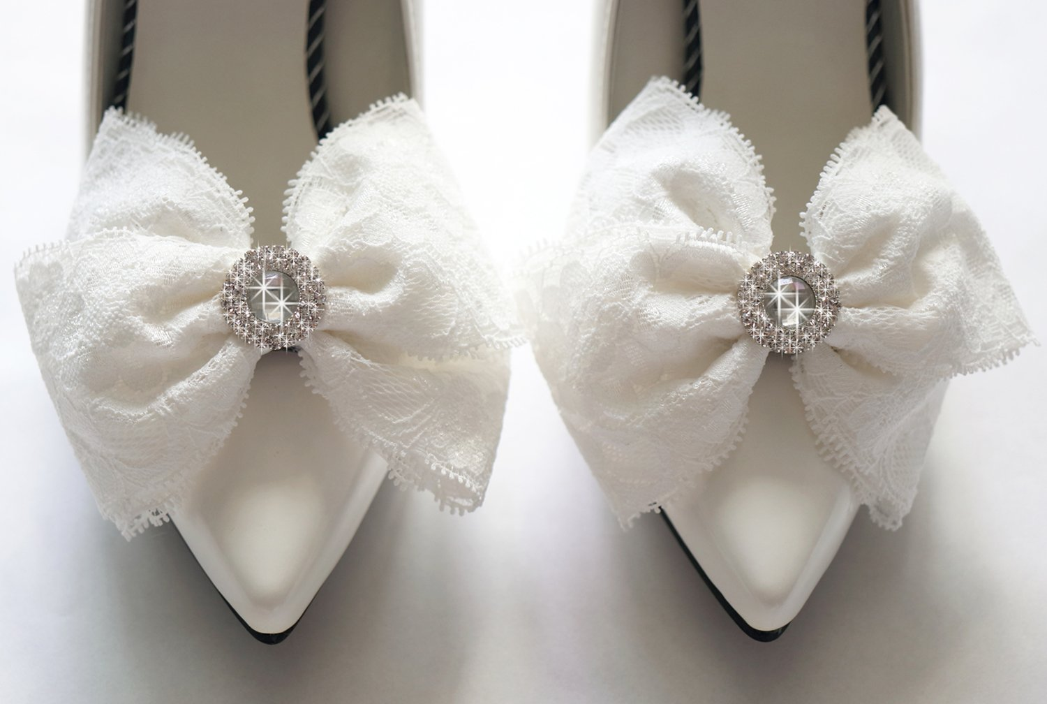 Wedding Bridal Lace Bow with Rhinestone Shoe clip,Lace Shoe Clips,Bridesmaid Shoe Charm Ornaments Clips,Prom Shoes clip