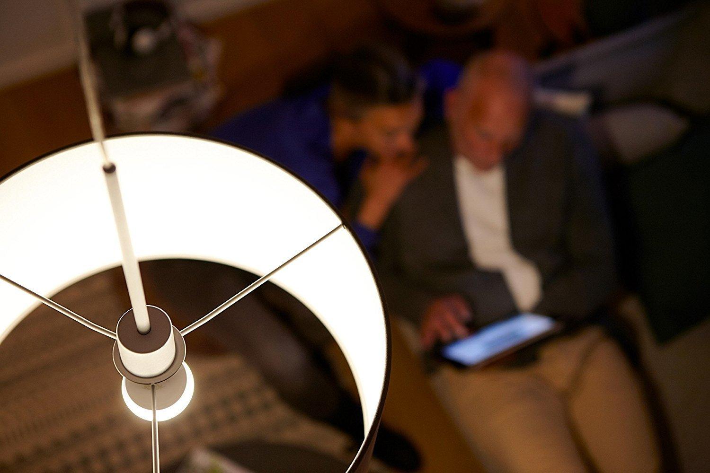 blanco c/álido Paquete de 6 1055 l/úmenes equivalente a 75 W Philips Lighting 11 W Bombilla LED esf/érica E27 no regulable