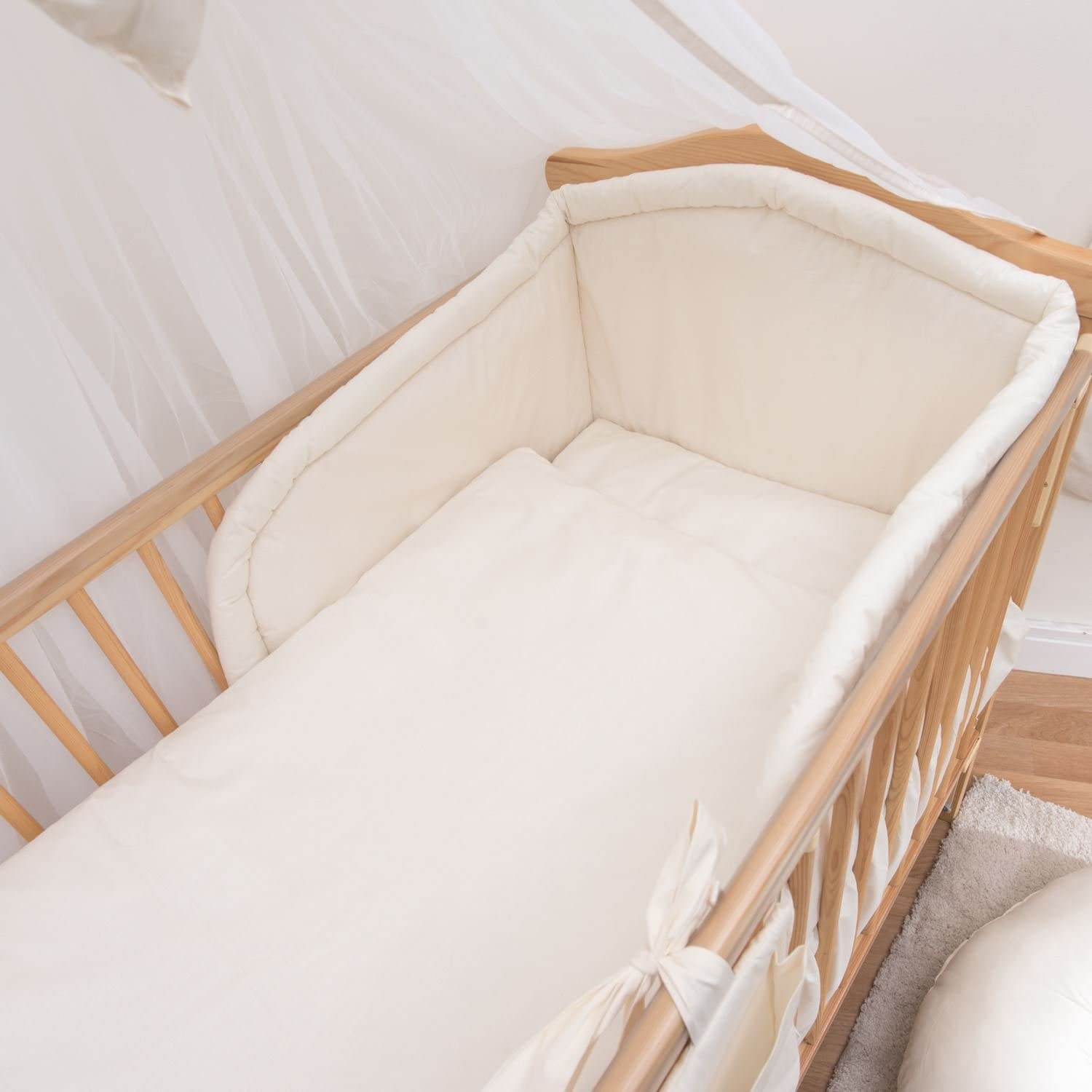 Cream 5 Piece Nursery Baby Bedding Set with Quilt and Padded Bumper fits 140x70 cm Cot Bed
