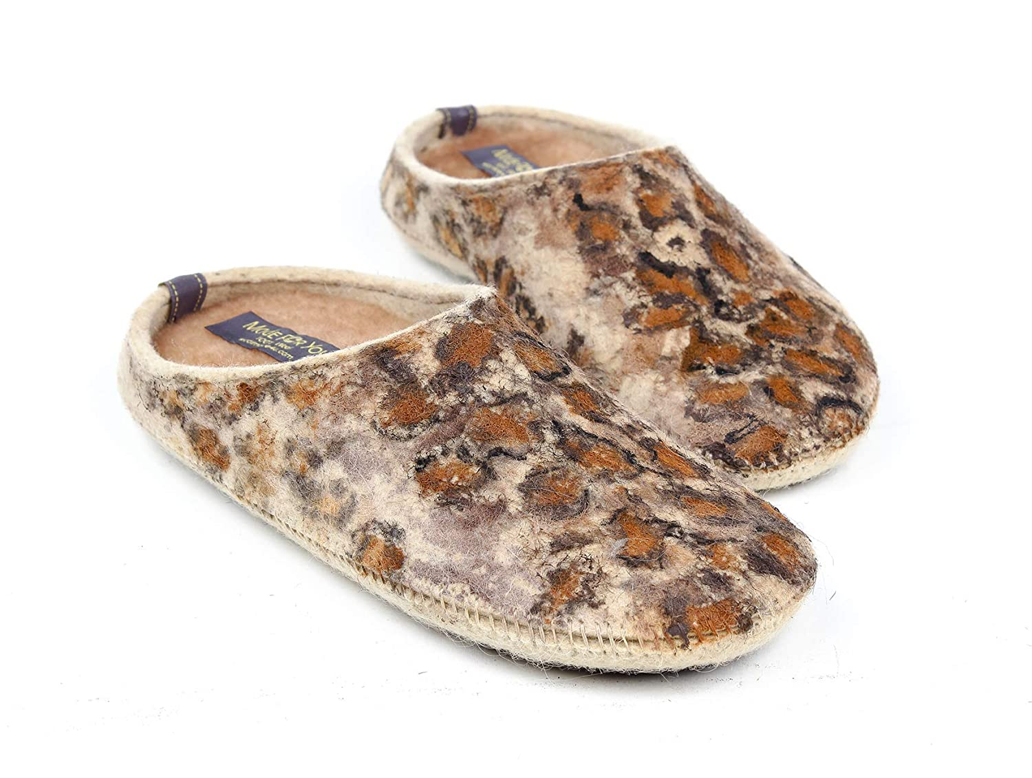 Women's wool slippers with hand-painted animal/cheetah print