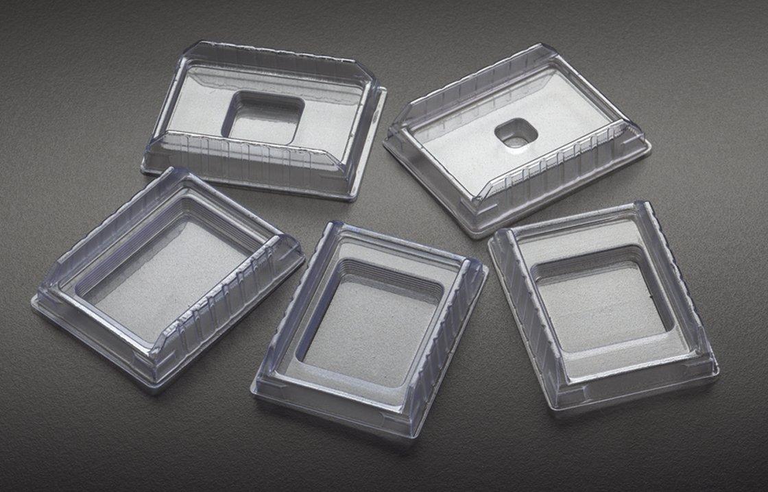 Simport M475-5 PVC Disposable Base Mold, 24mm W x 37mm L x 5mm H (Case of 1000)