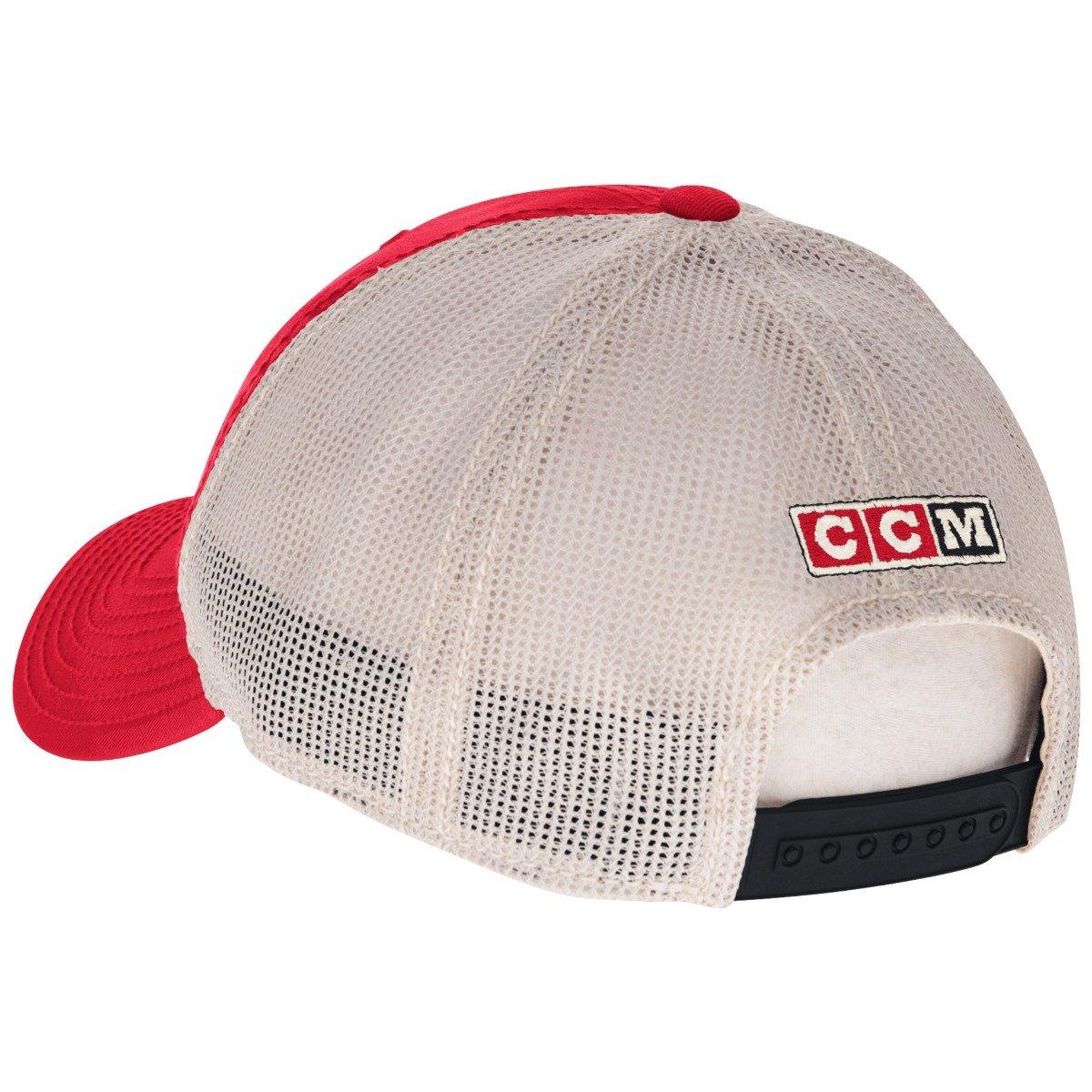 Amazon.com   Men s Chicago Blackhawks CCM Red White Trucker Meshback Slouch  Adjustable Snapback Hat   Sports   Outdoors 917cb1e7ff12