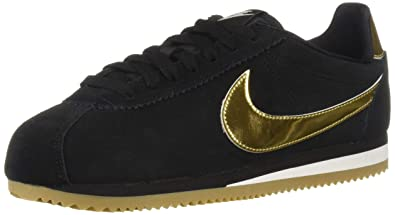 reputable site 5af8b 94154 Nike Womens Classic Cortez SE Running Shoes (6 B(M) US)