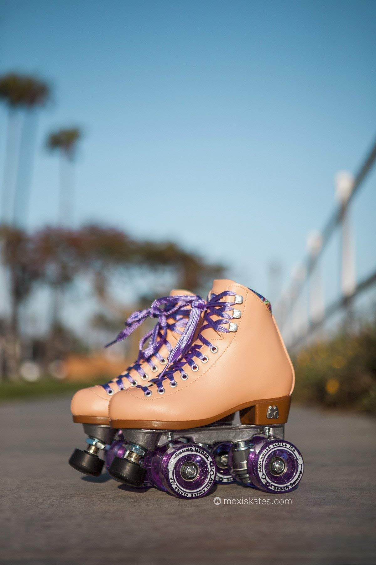Moxi Skates - Beach Bunny - Fashionable Womens Roller Skates   Peach Blanket   Size 3 by Moxi (Image #4)