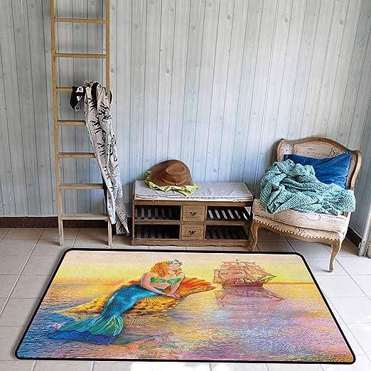Alfombra de Aula, Figura mística de Sirena sentada en un Concha de ...