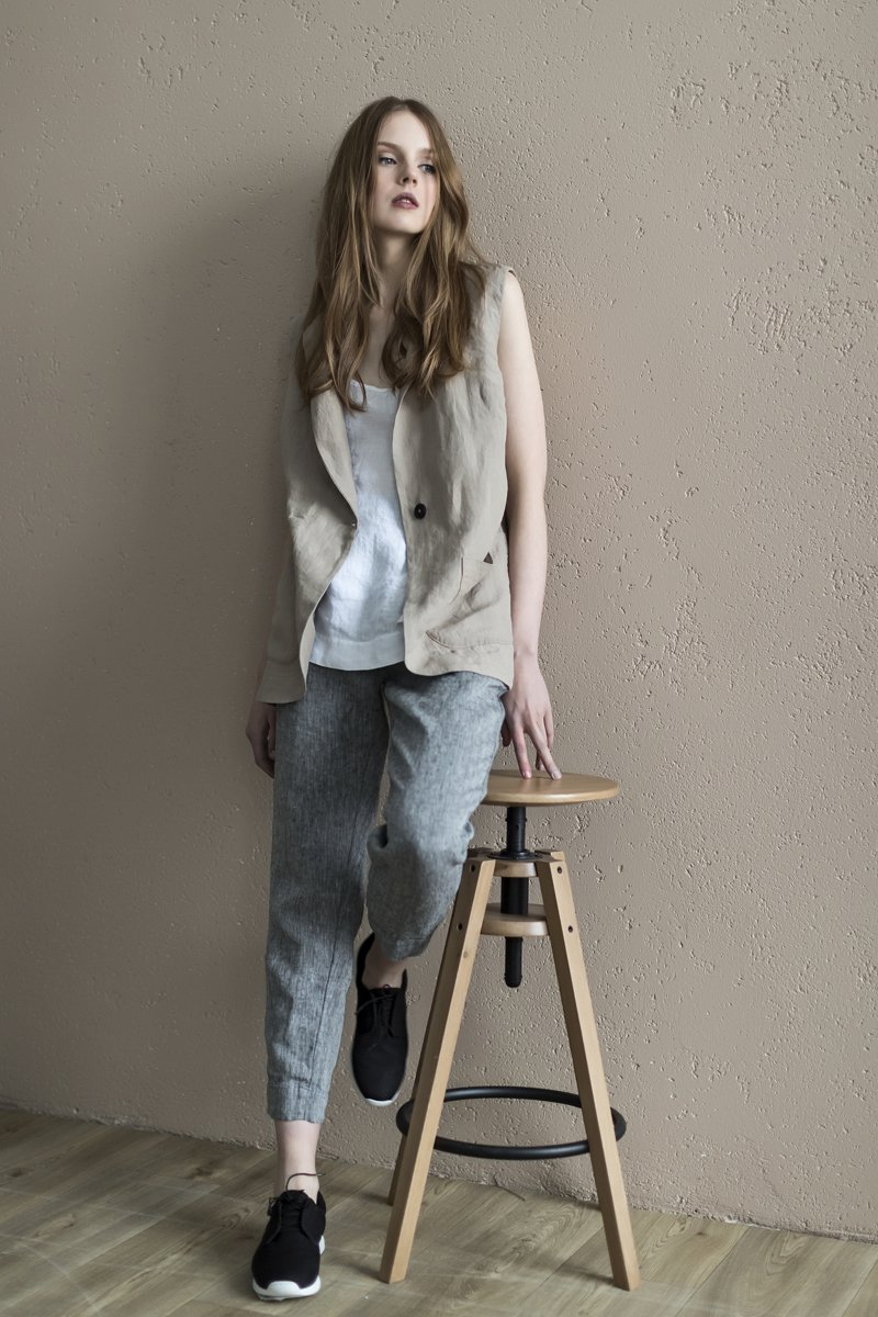 Tapered linen pants with elastic waist, handmade in Europe