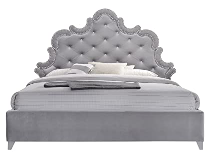 Amazon Com Meridian Furniture Sophie K Sophie Velvet Upholstered