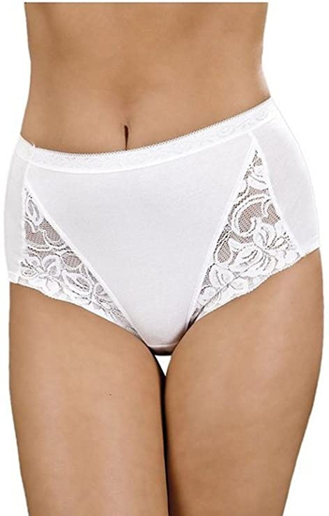 fc39c3393f7 La Marquise 3 Pack Ladies Cotton Comfort Full Maxi Briefs Knickers Sizes UK  12-22: Amazon.co.uk: Clothing