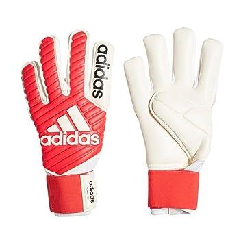 adidas Classic Pro Goalkeeper Gloves  Amazon.co.uk  Sports   Outdoors 527337b9c9cd
