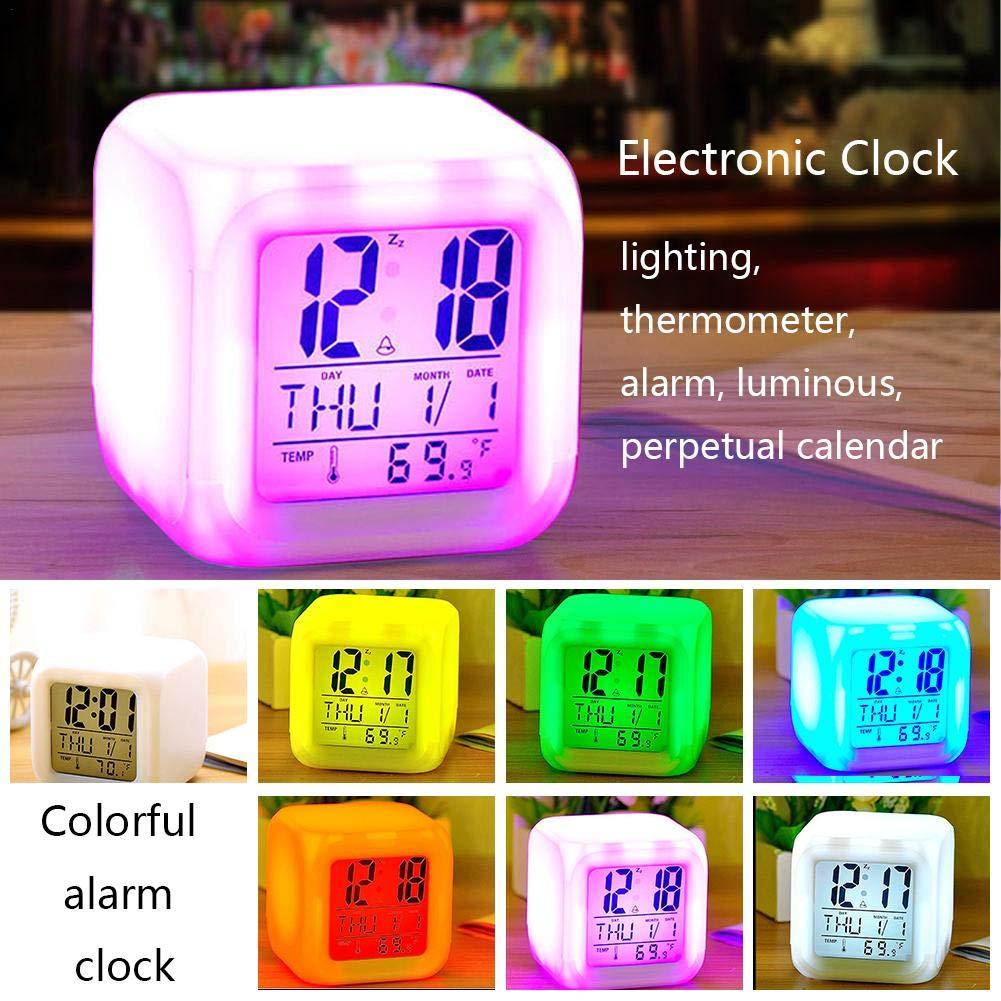 iStary 8 × 8 × 8 CM Horloge Carrée Colorée D'écran Blanc Réveil LED Couleur Changeante Horloge Électronique Silencieuse (sauf Piles)