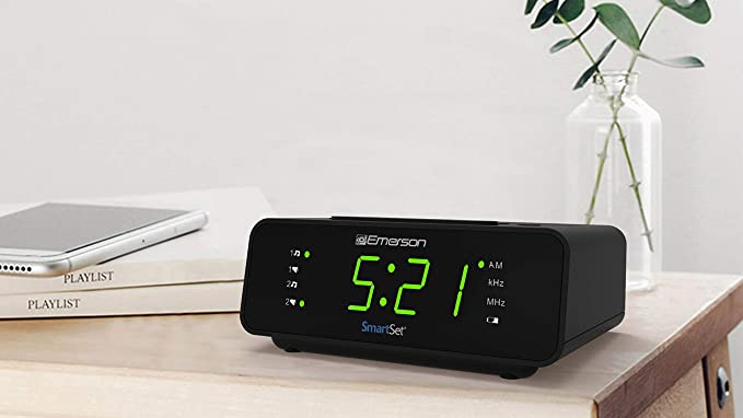 Amazon.com: Emerson SmartSet Alarm Clock Radio with AM/FM ...