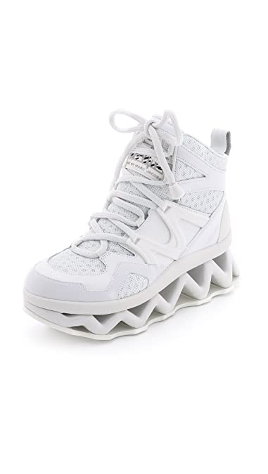 f9ba9f62579f Amazon.com  Marc by Marc Jacobs Women s Ninja Wave Hi-Top Fashion Sneaker   Shoes