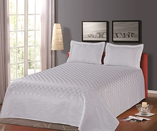 Cloth Fusion Prima Checkered 300TC Bed Cover with 2 Pillow Cover- Double (90X100),White