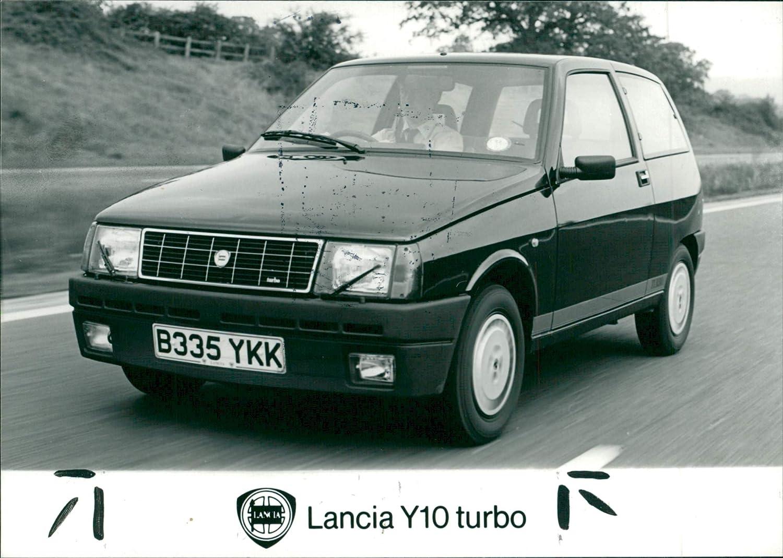 Amazon.com: Vintage photo of Lancia Y10 turbo: Entertainment Collectibles
