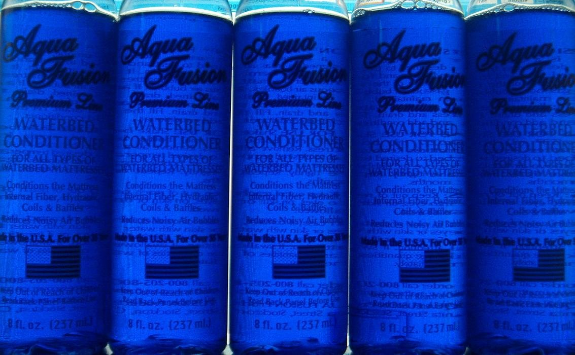 Waterbed Conditioner 5 pack of 8oz Premium for California King, Queen, Full, Twin and Super Single Hardside or Softside Water Beds by Aqua Fusion