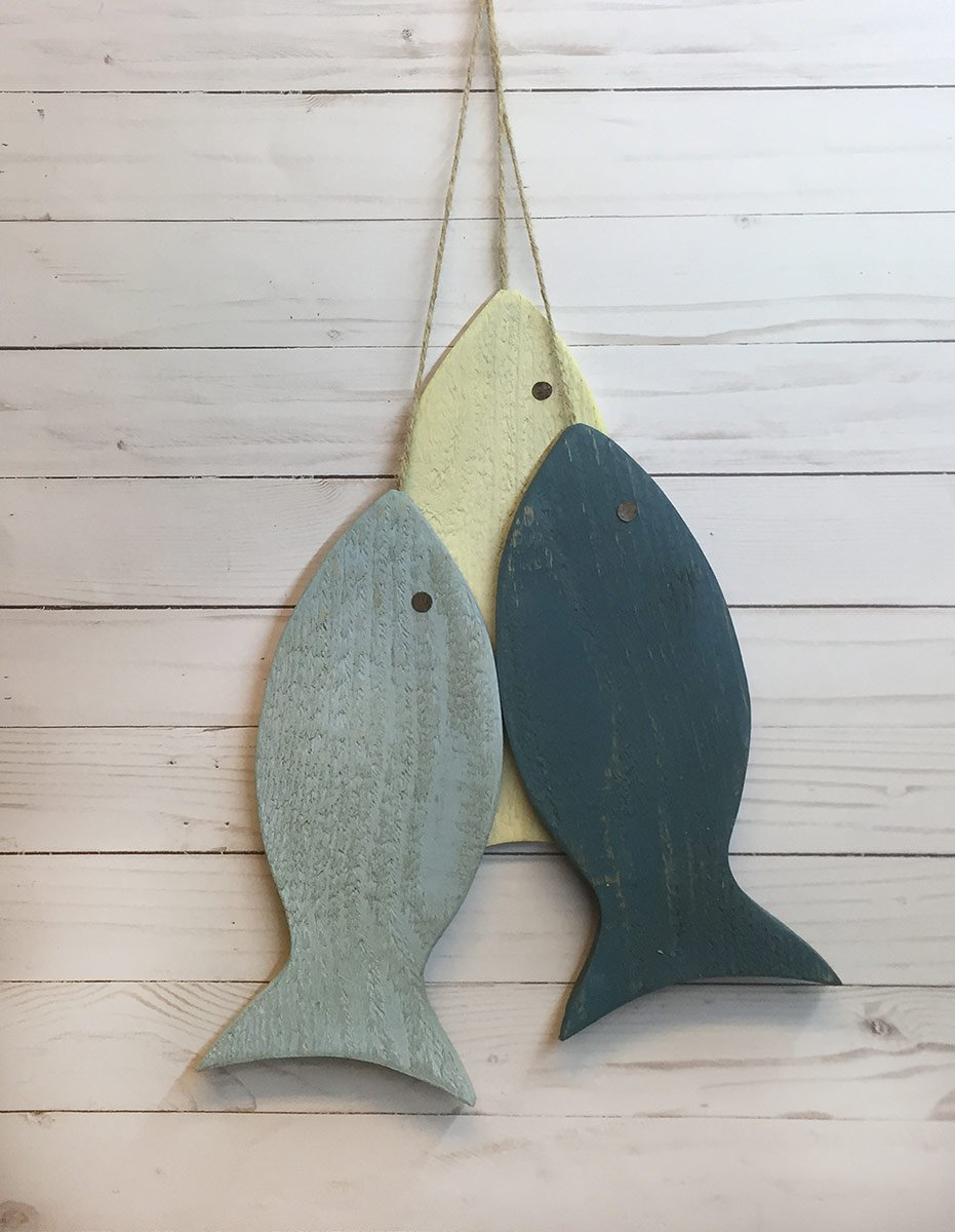 Amazon Com Painted String Of Fish Wall Decor 10 Wood