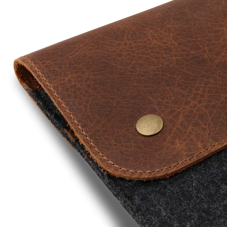 MegaGear Genuine Leather and Fleece Macbook Bag 15 Inch