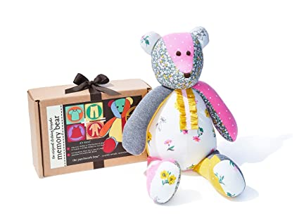 10e6900e2 Image Unavailable. Image not available for. Color: Memory Bear Gift Kit by  The Patchwork Bear