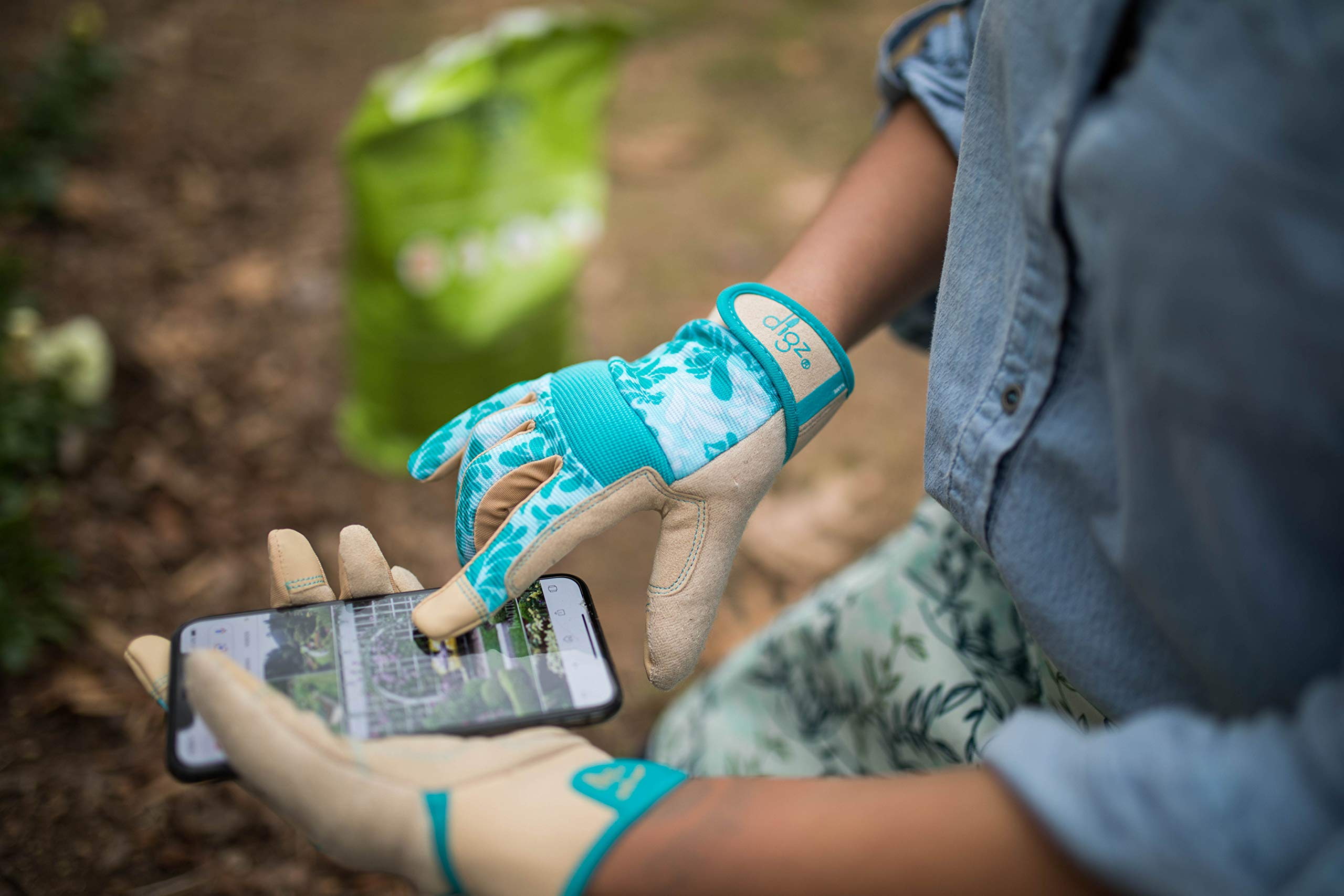DIGZ Gardener High Performance Women's Gardening Gloves and Work Gloves with Touch Screen Compatible fingertips by DIGZ (Image #3)