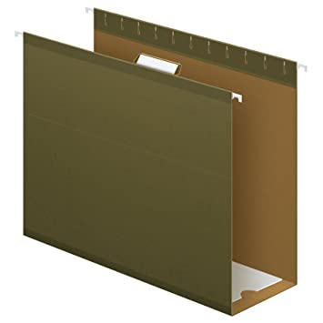 Box bottom hanging folder with gusset