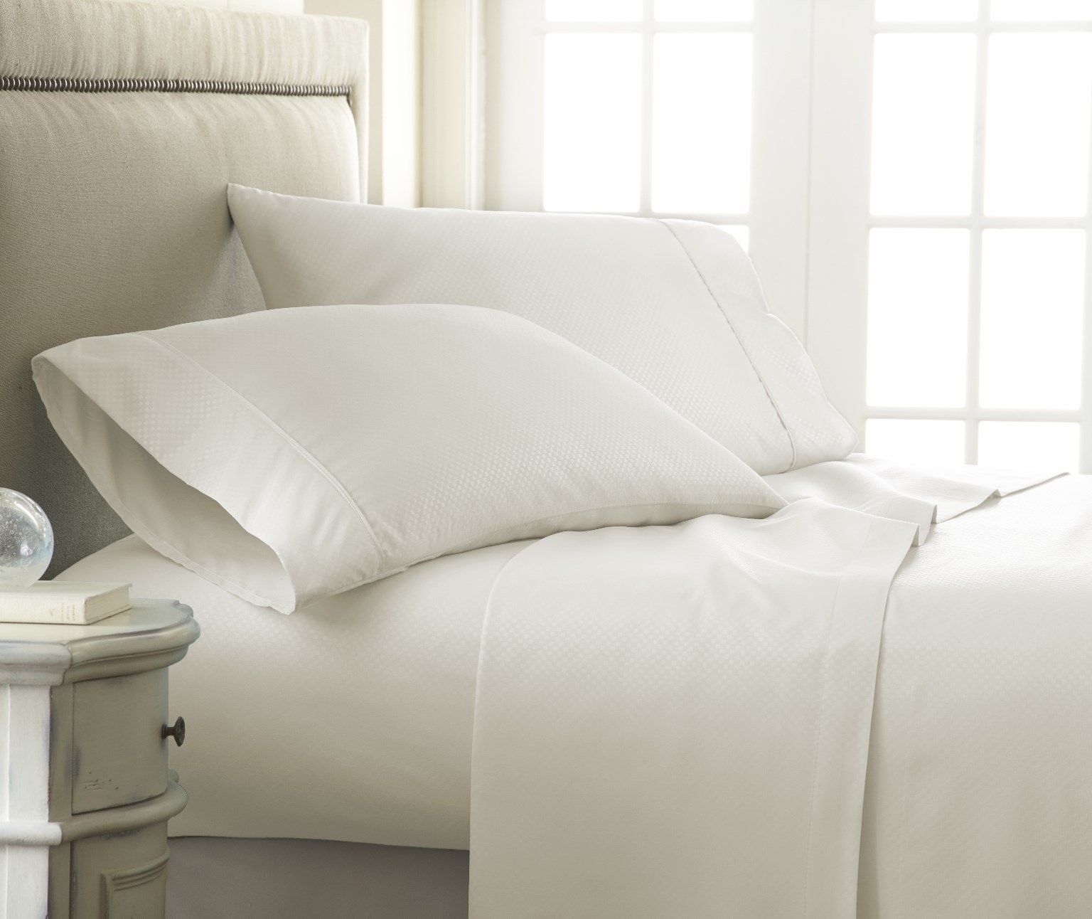 Soft Essentials Premium Embossed Checker Design 4 Piece Bed Sheet Set (King - Ivory)(Pack of 12)