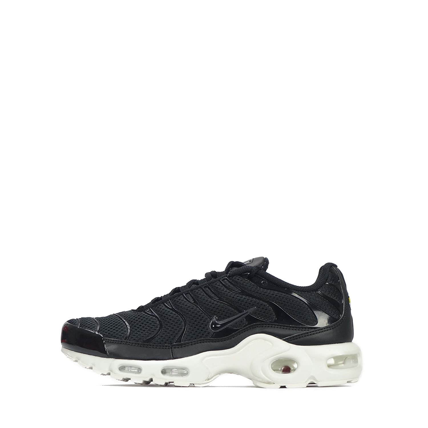new product 7e7fc 670c8 Amazon.com  Nike Air Max Plus Breathe TN1 Tuned Mens Sneaker (7.5 D(M) US)  BlackBlackWhite  Road Running