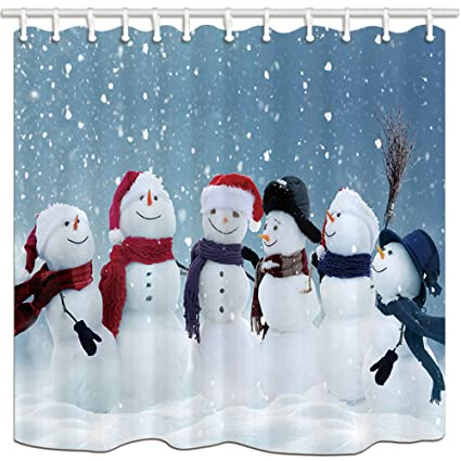KOTOM cortinas de ducha de tela de Navidad, muñecos de nieve celebrando Navidad con sombrero