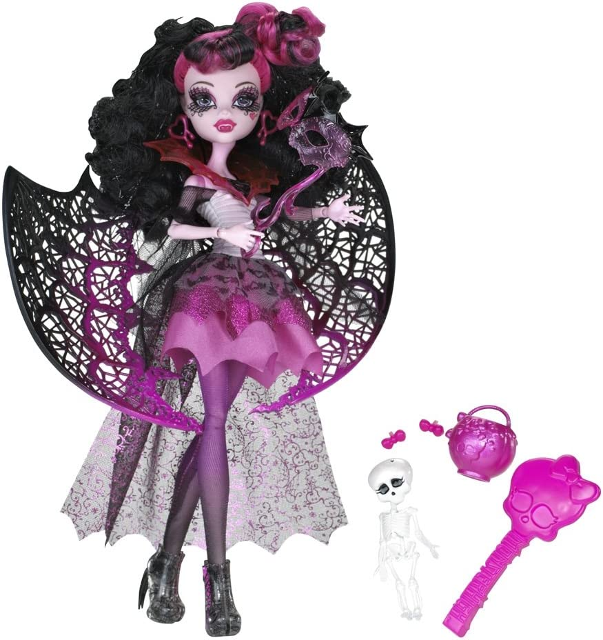 Amazon Com Monster High Ghouls Rule Draculaura Doll Toys Games
