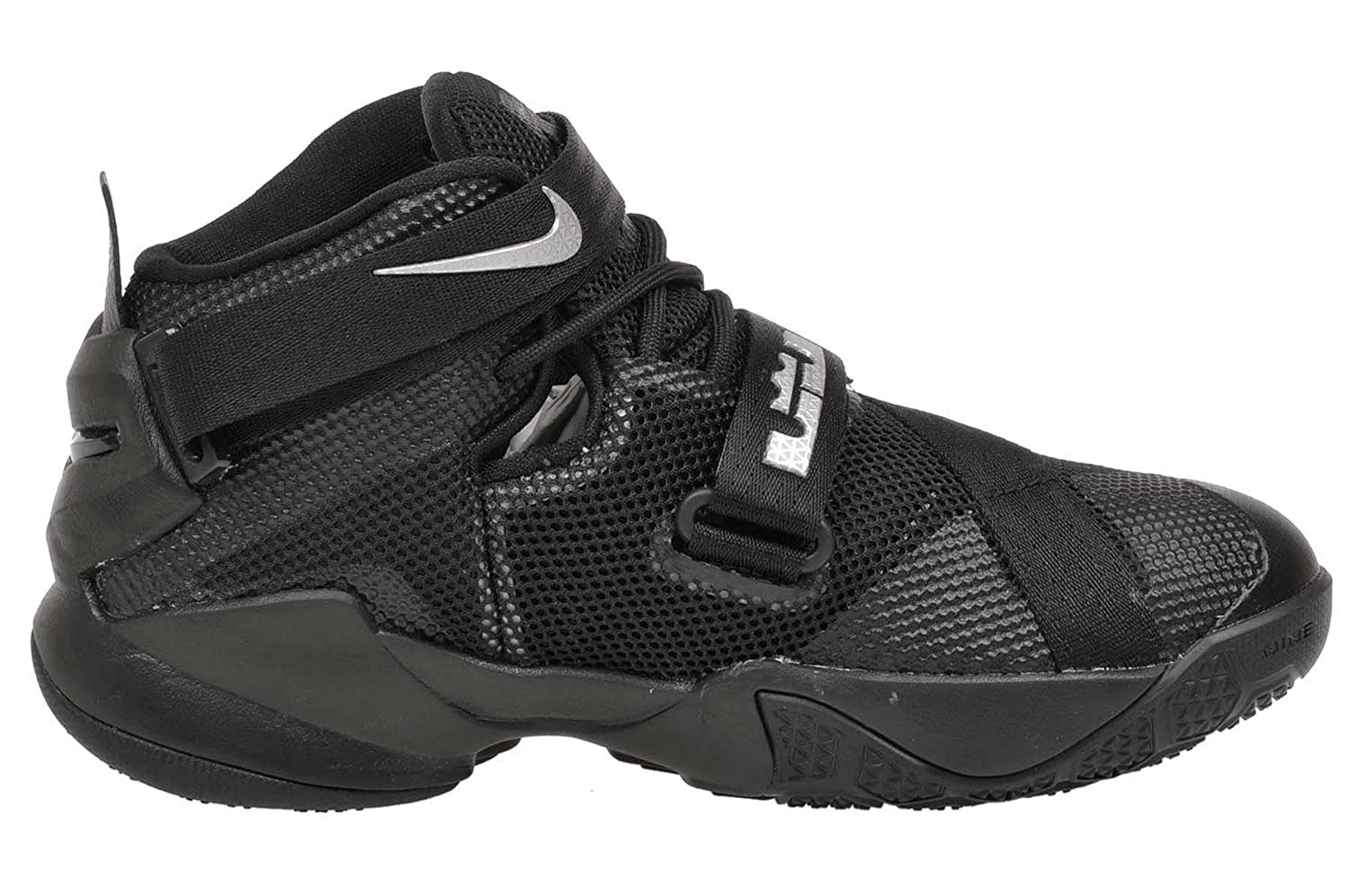 337888c10bf Nike Youth Lebron Soldier 9 Boys Basketball Shoes Black Metallic Silver  776471-001 Size 5  Buy Online at Low Prices in India - Amazon.in
