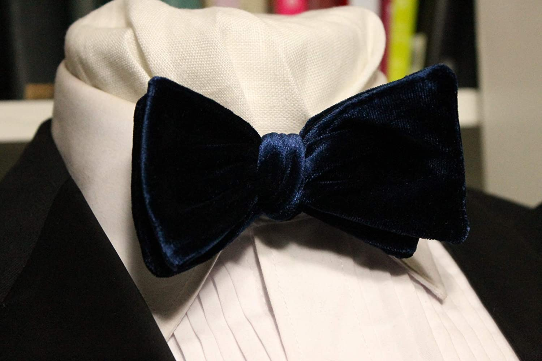 Navy Blue VelvetClassico Handmade Bow Tie