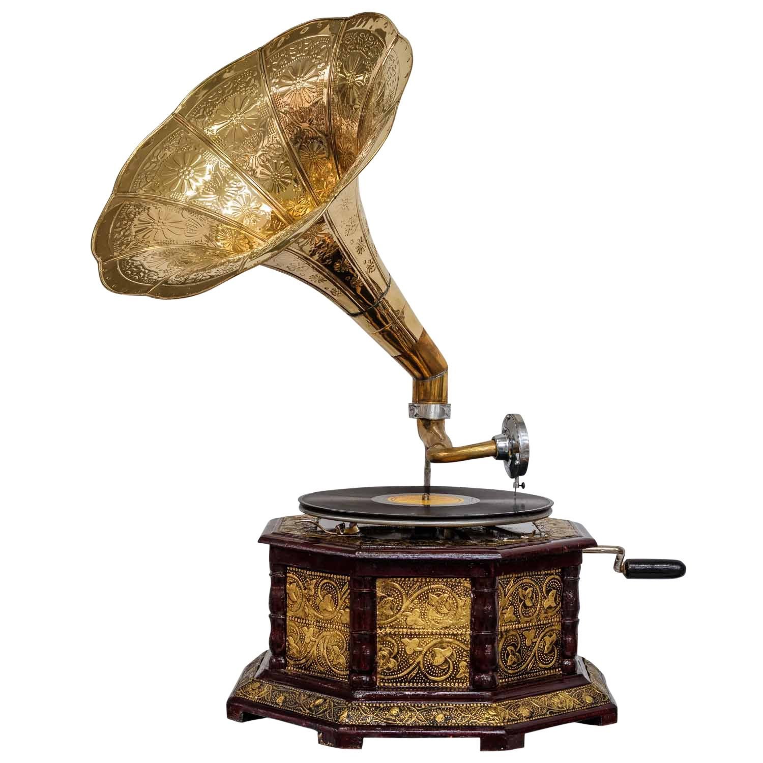 Antique style gramophone complete with horn decorative wooden base (i2) aubaho