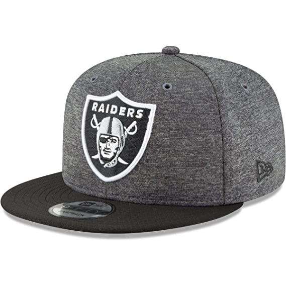 New Era Oakland Raiders 9fifty Snapback NFL 2018 Sideline Home Graphite   Amazon.co.uk  Clothing e993f7ded
