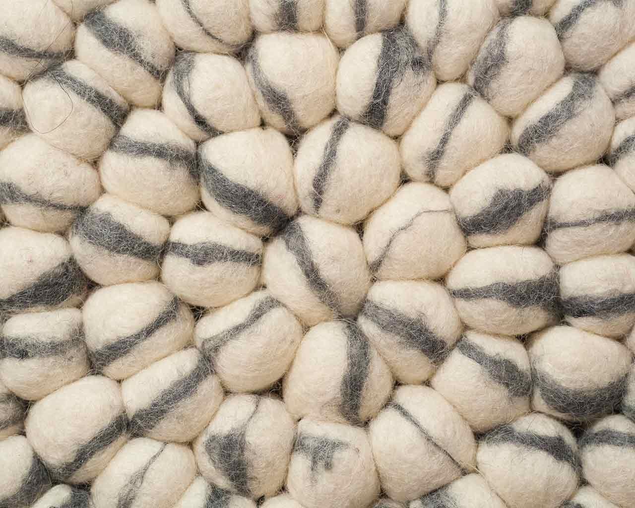 Teppich rund grau filz  Sunita: rund Rund Filz Kugel Teppich Weiß Elfenbein Grau ...