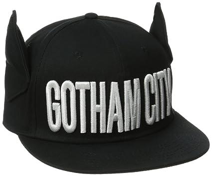 d1fb003640b Amazon.com  Batman Men s Gotham City Flat Brim Snap Back with 3D ...