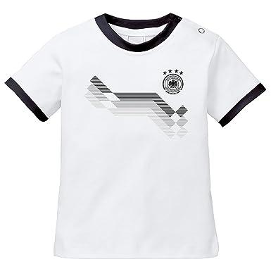 1da598c31b17 EZYshirt WM 2018 Deutschland Baby T-Shirt mit Wunschname   Wunschnummer    Bio Baumwolle