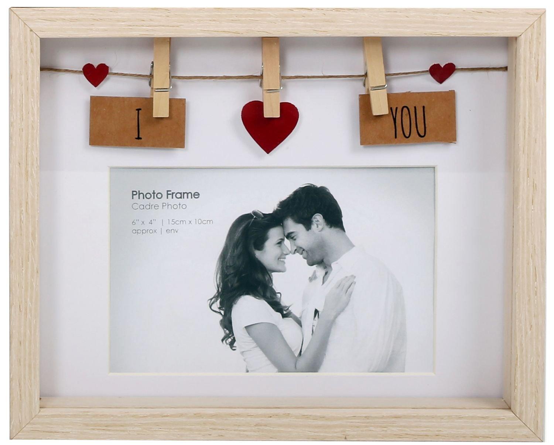 Marco de madera de amor con pinzas