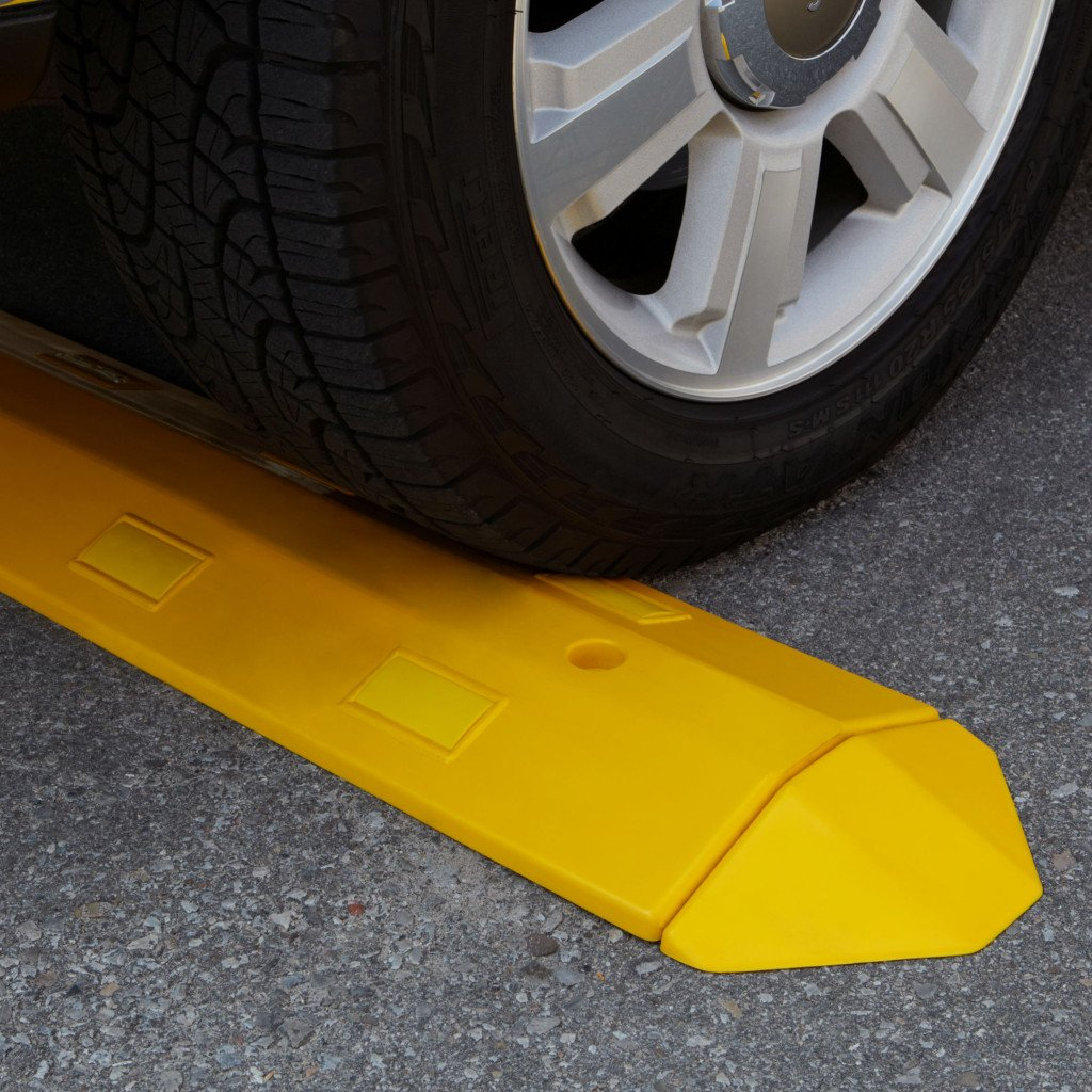 Electriduct Ultra Light Weight Economy Speed Bump - Yellow - 3 Pieces (9 Feet) - Concrete by Electriduct (Image #4)