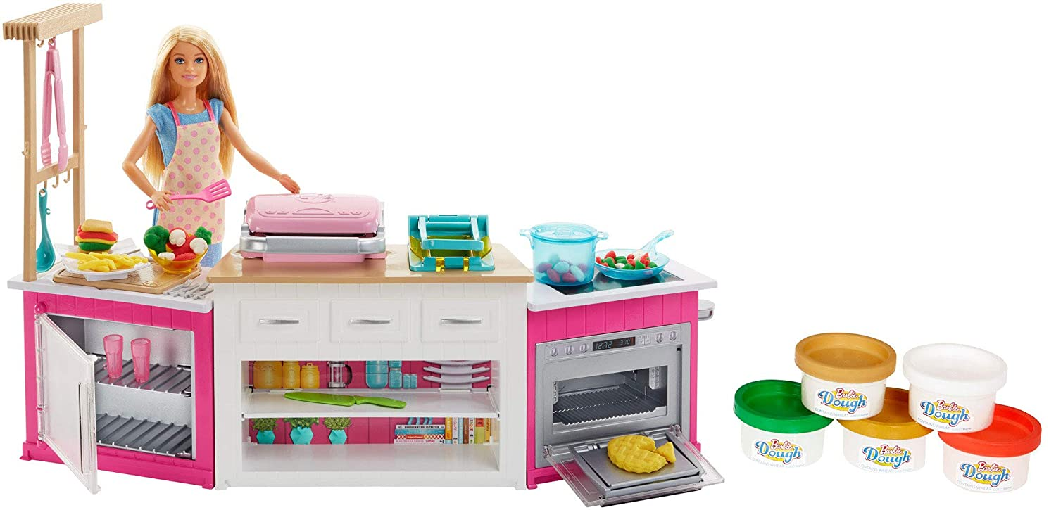 Barbie Kitchen Playset with Doll, Lights & Sounds, Food Molds, 5 Dough Colors and 20+ Accessories 71SzkBS0fTL