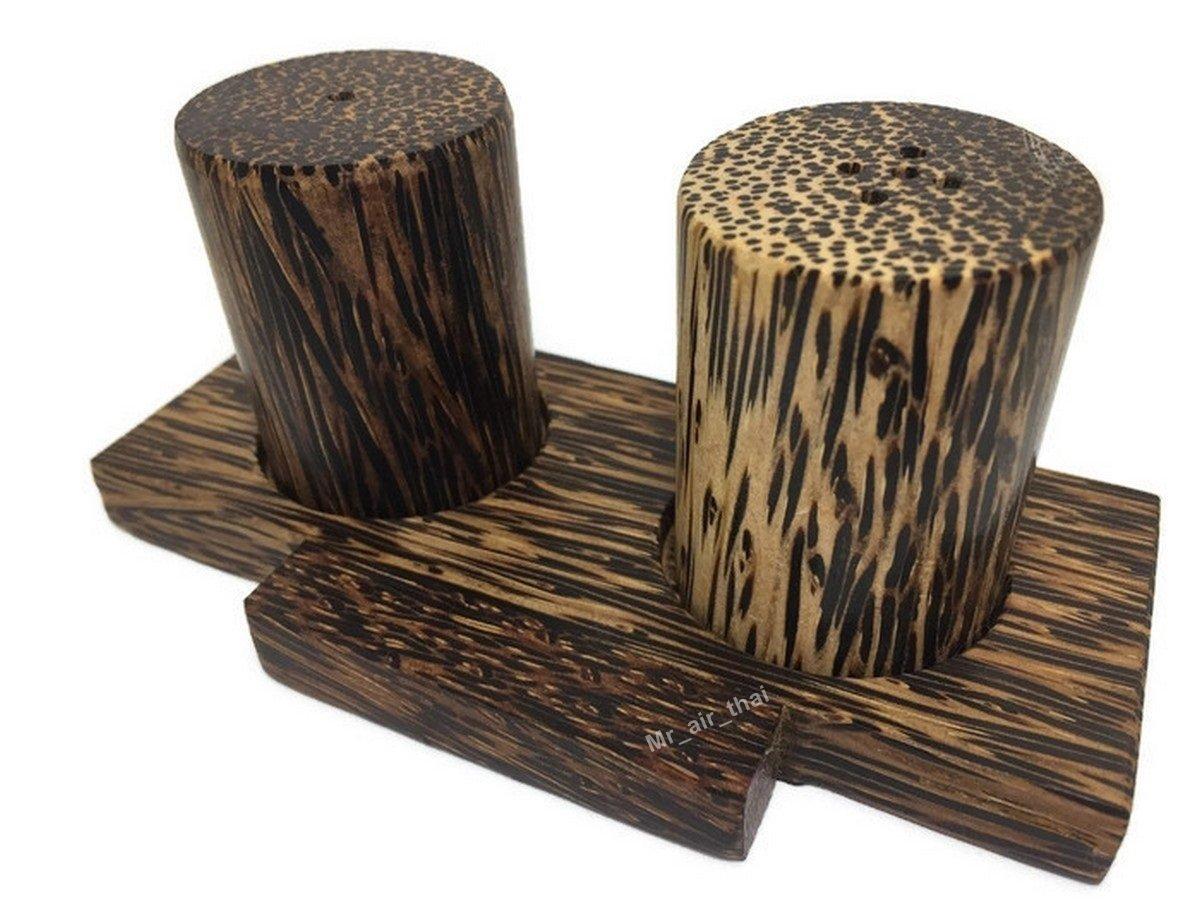 1 Set of Salt Pepper Shaker Wooden Box Salt And Pepper Storage Kitchenware Handmade Holder Cylinder (plam wood)