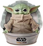 Direttamente dalla serie Disney+ The Mandalorian ecco il peluche di quello che tutti ormai chiamano Baby Joda, 28 cm di ternerezza che farà breccia nel cuore di tutti i fan di Star Wars.