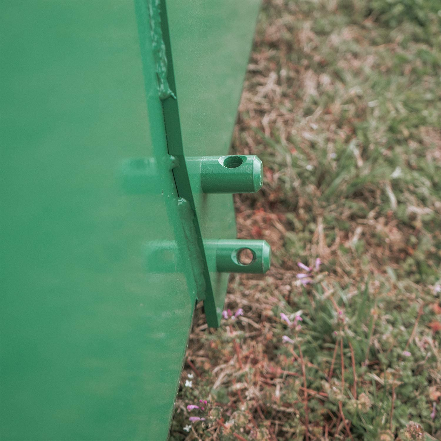 72-in Bucket Attachment 3//16-in Thick Fits John Deere Hook and Pin Tractors for Dirt and Debris Loading