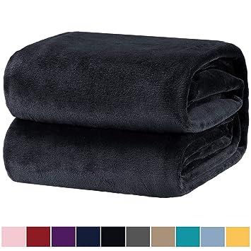 Kleine Decke.Bedsure Kuscheldecke Schwarz Flauschige Kleine Decke Extra Weich Warm Wohndecke In Wohnzimmer 130x150 Cm Flanell Fleecedecke Falten